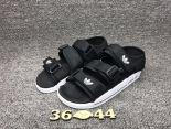 adidas愛迪達 2017沙灘涼鞋系列 三葉草超輕便時尚情侶鞋 黑色