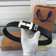 lv皮帶目錄 路易威登2018新款 HF75牛皮壓格時尚鋼扣腰帶