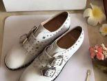 Givenchy紀梵希 2017新款 金屬扣皮質潮流女生單鞋 白色