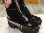 louis vuitton 鞋 2018新款 經蛇紋皮質系帶女生短靴 黑粉